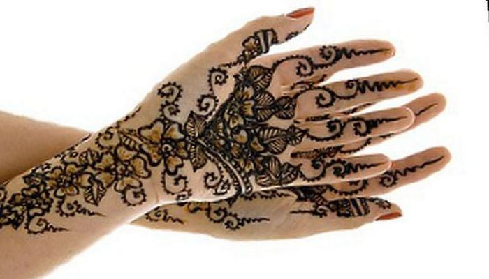 Teens: Henna Tattoos at the Altadena Library's DIY Club