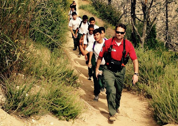 Altadena Mountain Rescue Team Leads VIDA Kids on Hike