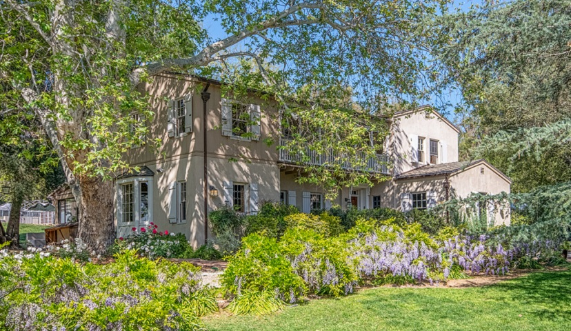 An Exquisite 1934 Grand Equestrian Estate Located in Altadena